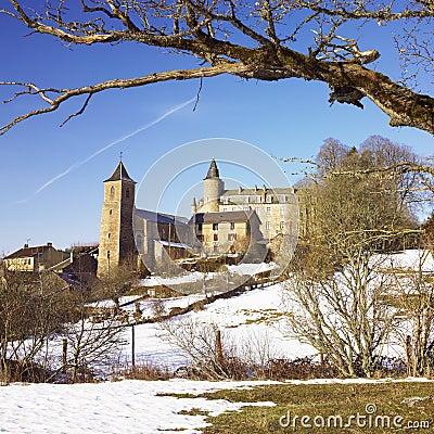 Vezins-de-Levezou Castle