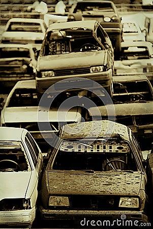 Véhicules dans le junkyard