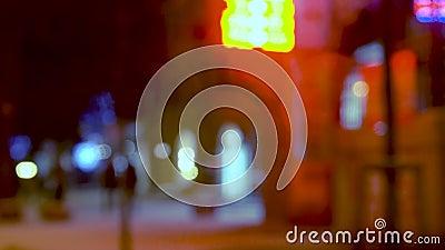 Via della città nella sera archivi video