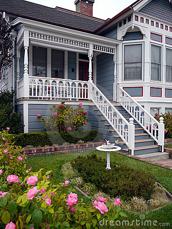 Free Victorian House Entrance And Garden Stock Images - 21662694
