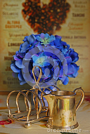 Free Victorian Silver Toast Holder And Milk Jug Stock Photo - 34549840