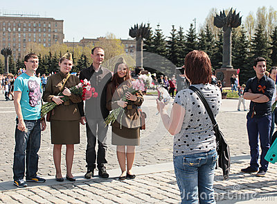 Moscow streets and congratulate wwii veterans on victory day moscow