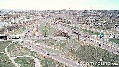 Vidéo De L'Interstate 70 Et Du Boulevard Sheridan À Arvada, Colorado banque de vidéos
