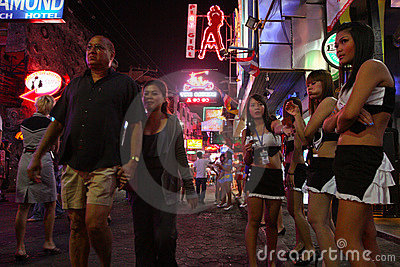 Vida noturno em Pattaya, Tailândia. Imagem Editorial