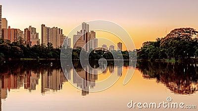 Video del lago Igapo en Londrina PR Brasil metrajes