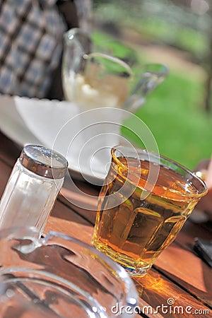 Vidrio de zumo de manzana