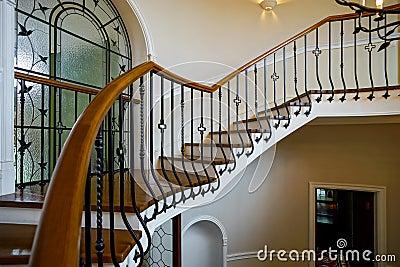 vieil escalier en spirale dans le style russe classique de manoir photo stock image 74881967. Black Bedroom Furniture Sets. Home Design Ideas