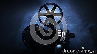 Vieille extrémité de projecteur de film de vintage du film Vue de côté banque de vidéos