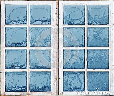Fenêtre avec le gel