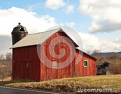 Vieille grange rouge
