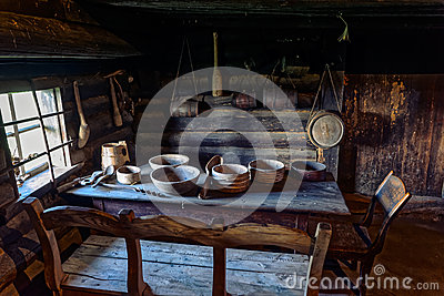 vieille table de salle manger de ferme photo stock image 51678597. Black Bedroom Furniture Sets. Home Design Ideas