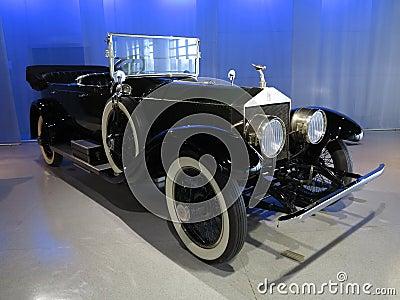 Vieille voiture de rolls royce image stock ditorial for Salon vieilles voitures