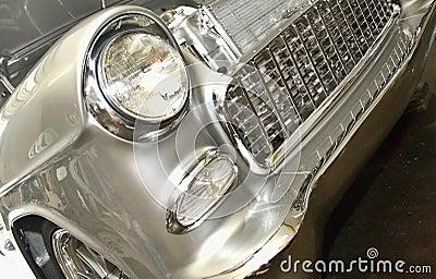Viejas luces delanteras/parrilla de Chevrolet