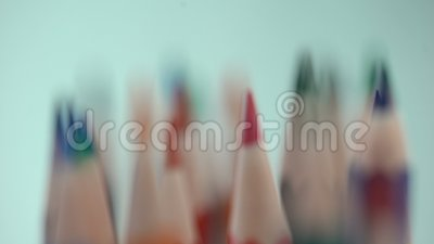 Vielzahl der geschärften Farbe zeichnet Makroansicht, Briefpapiersammlung, Wahl an stock video footage