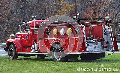 pompe incendie antique maintenant hors service
