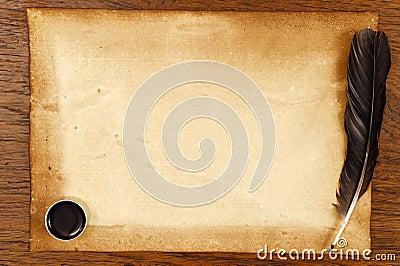 vieux papier sur la texture en bois brune avec la plume et l 39 encre photo stock image 54102590. Black Bedroom Furniture Sets. Home Design Ideas