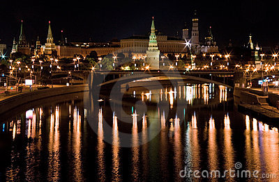 View of bridge moscow s kremlin at night Moscow