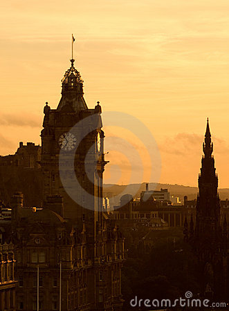 Free View Of Edinburgh At Dusk Royalty Free Stock Images - 3305649