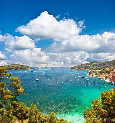 Free View Of Luxury Resort And Bay Of Cote D Azur Royalty Free Stock Images - 20998529