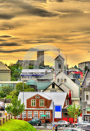 Free View Of Reykjavik City Centre In The Evening Royalty Free Stock Photos - 77195018