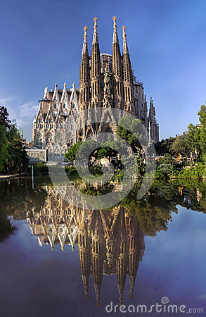 Free View Of Sagrada Familia Cathedral In Barcelona In Spain Stock Photo - 45433400