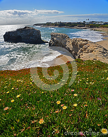 Free View Of The Natural Bridge In The Natural Bridges National Park In Santa Cruz. Stock Photos - 40130333