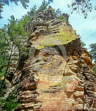 Free View Of The Rock Face Royalty Free Stock Photo - 106867385