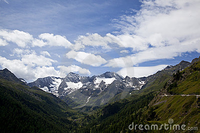 View onto the Oetztal Alps