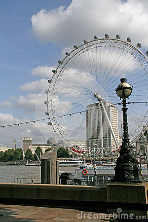 Free View To London Eye And Street Lantern.London.Great Royalty Free Stock Image - 30509436