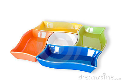 Vijf gekleurde sauce-boats