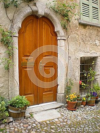 Villa Italy  Tuscany arched door