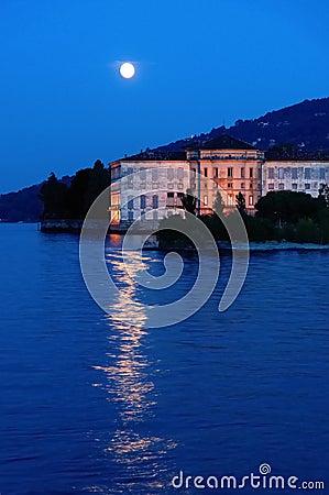 Villa lake moon