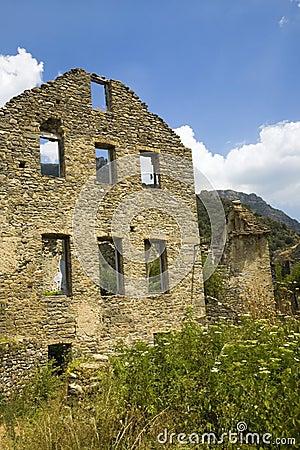 Village abandonn d 39 aragon dans les montagnes de pyr n es province de h - Achat village abandonne ...