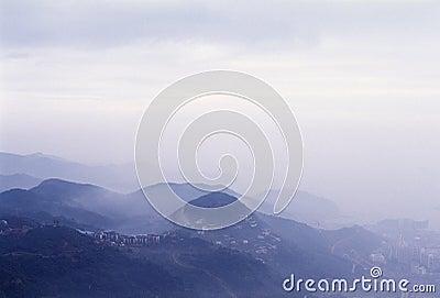 Ville dans la montagne