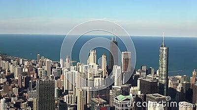 Ville de bâtiment de Hancock de tir aérien de lumière du jour de Chicago - ville de Chicago banque de vidéos