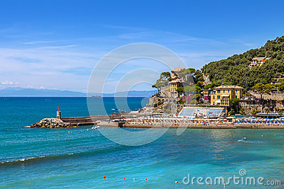 ville de recco et de mer m diterran e en italie photo stock image 50593466. Black Bedroom Furniture Sets. Home Design Ideas
