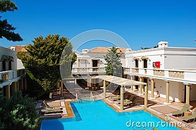 Ville di lusso moderne con la piscina immagini stock for Ville moderne con piscina