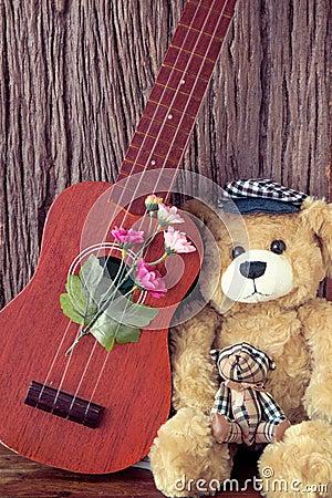 Free Vintage Bear Toy With Ukulele Stock Photography - 55753692