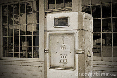 Vintage fuel pump (BW)