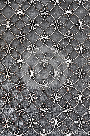 Free Vintage Iron Door With Circles Pattern Stock Photography - 32977482