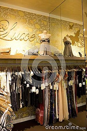 Store Interior Design Image · Ladies clothing store interior decoration view