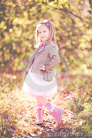 Free Vintage Little Girl Royalty Free Stock Photos - 61202528