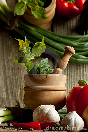 Free Vintage Mortar And Mix Of Vegetables With Reflex Stock Photography - 19781132