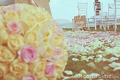 Vintage roses bouquet arrange for wedding