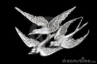 Vintage three bird brooch