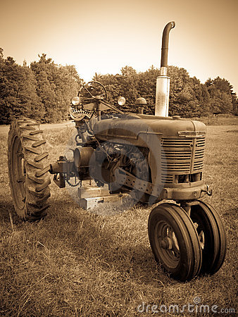 Free Vintage Tractor Sepia Stock Photography - 21178742