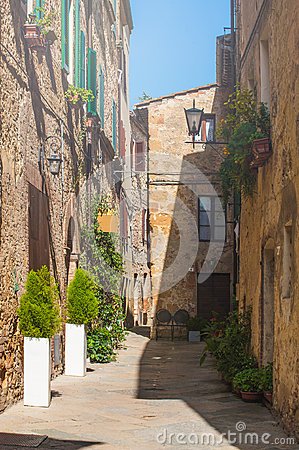 Free Vintage Tuscan Alley In Pienza, Italy Stock Photography - 43340662