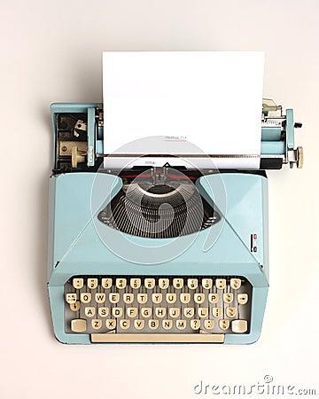 Free Vintage Typewriter Royalty Free Stock Images - 42612429