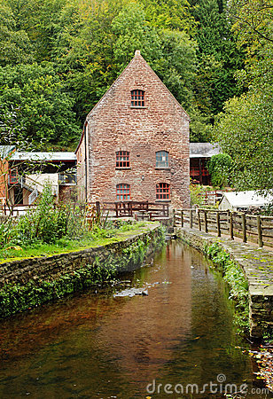 Free Vintage Water Mill In Rural England Stock Photos - 21590493