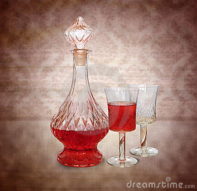 Free Vintage Wine Decanter And Two Glasses Royalty Free Stock Photo - 20869495